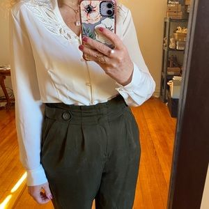 Vintage '80s '90s off-White Blouse Pearls Cut Outs